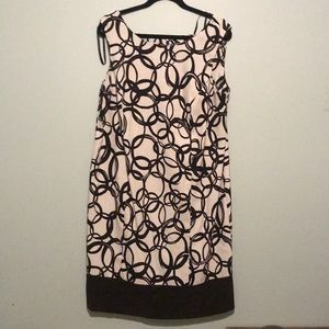 Fantastic dress for work or evening out!